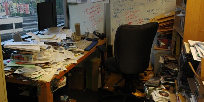 雜亂的居家辦公環境